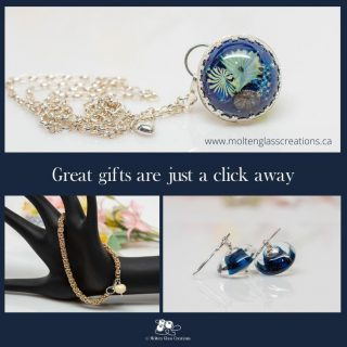 Great gifts are just a click away!  #handmade #glassbeads #jewelry #giftidea #giftsforher #giftshopping #lampwork #earrings #bracelet #necklace